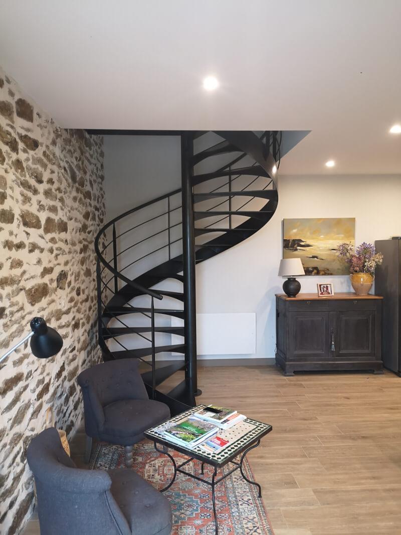 Escalier colimaçon métallique